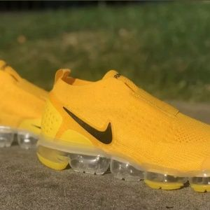 Nike air max Vapormax moc 2 laceless yellow 2019